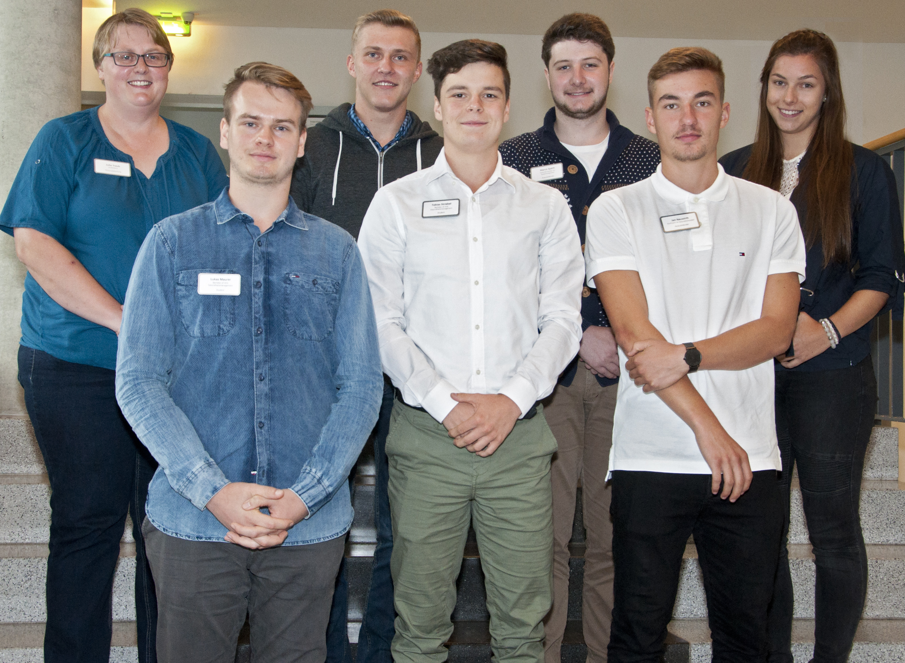 Auszubildende und Studenten des Kaufmännischen Bereichs mit Ausbildungsbeginn 2017