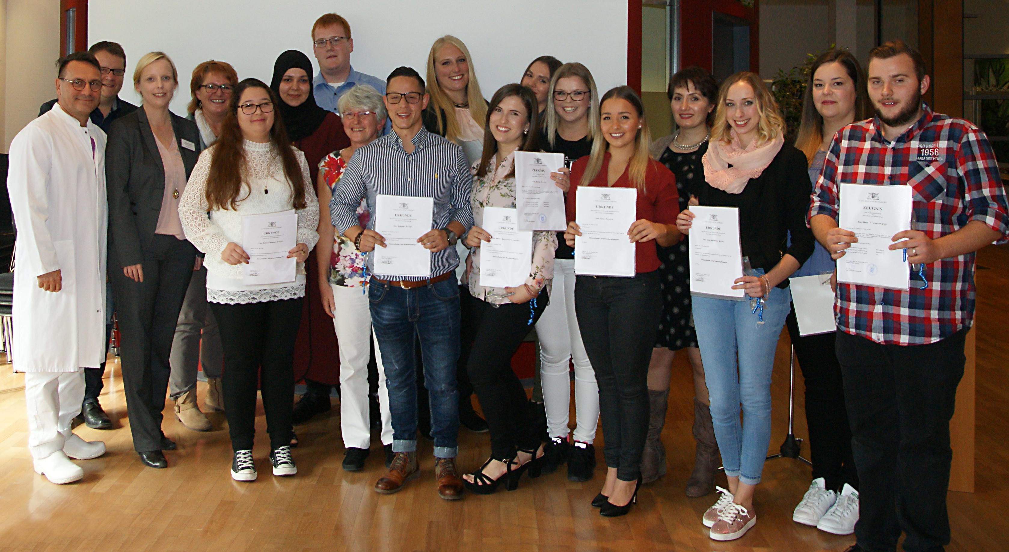 Schüler der Krankenpflegeschule der ADK GmbH für Gesundheit und Soziales